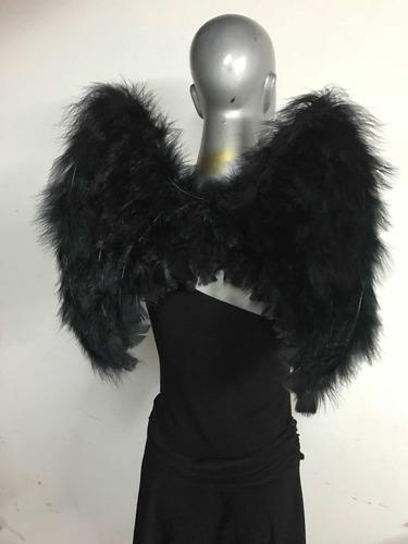 alas de ángel de plumas blancas o negras