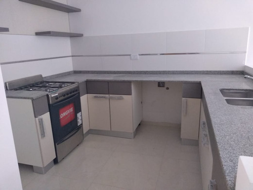 albariño 100. departamento 3 ambientes.  venta