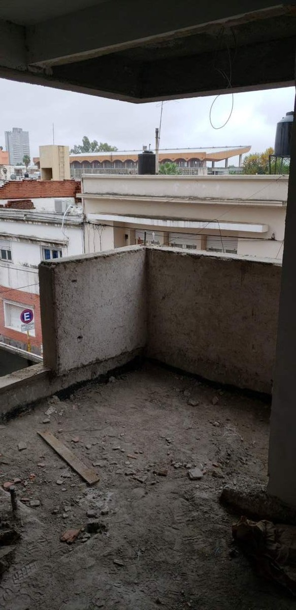 alberdi, edificio urbano i a mts de la central de policia de cba, oportunidad!