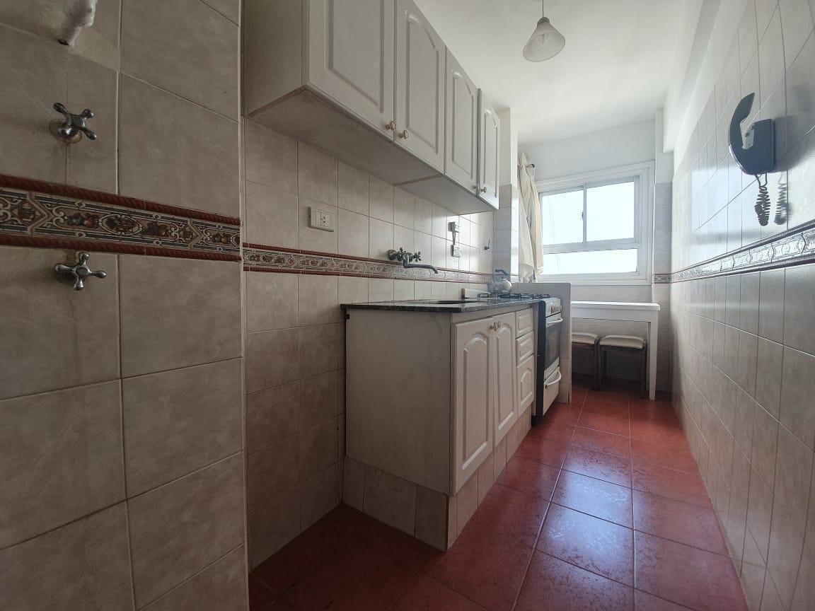 aldrey dos ambientes con balcón a la calle // n°ficha 21275