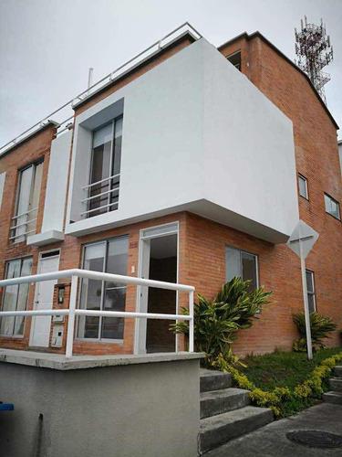 alegrías de la villa, 100 m2, 3 alcobas, 3 baños, terraza.