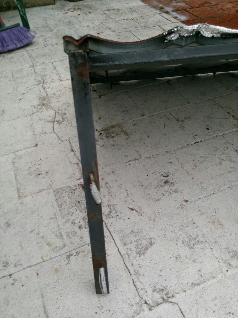 Alero de chapa con armazon en hierro en - Chapas de hierro ...