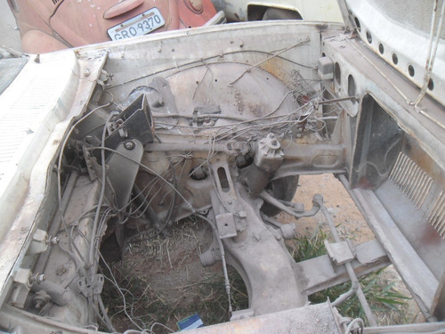 alfa romeo 2300 1975 a terminar funilaria e tapeçaria pronta