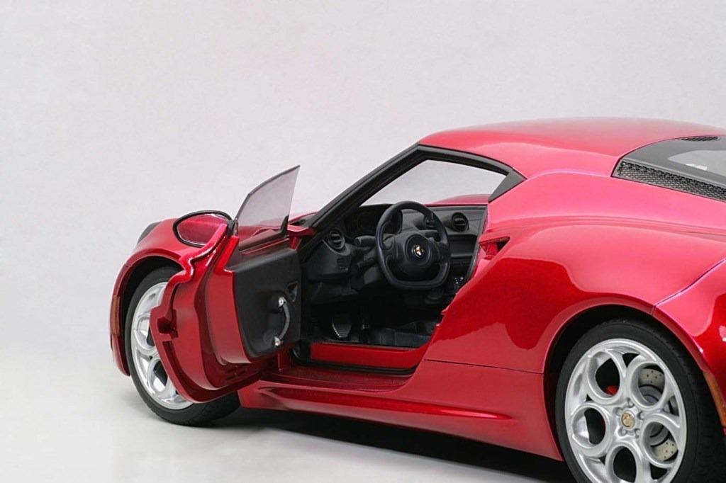 Alfa Romeo 4C Red 1//18 by Autoart 70186