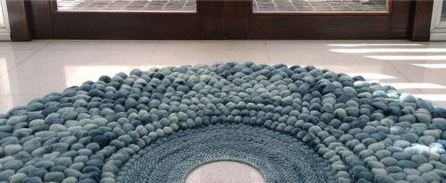 alfombra 100% lana patagonica hecha a mano. dona cloud 100cm