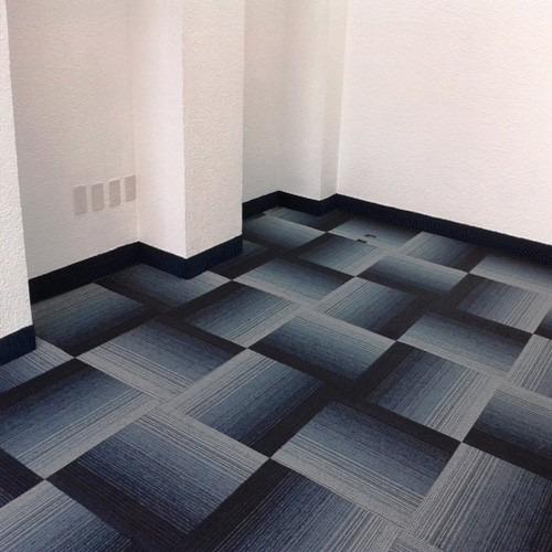 Alfombra modular gris y azul precio por caja 5m2 for Valor alfombra