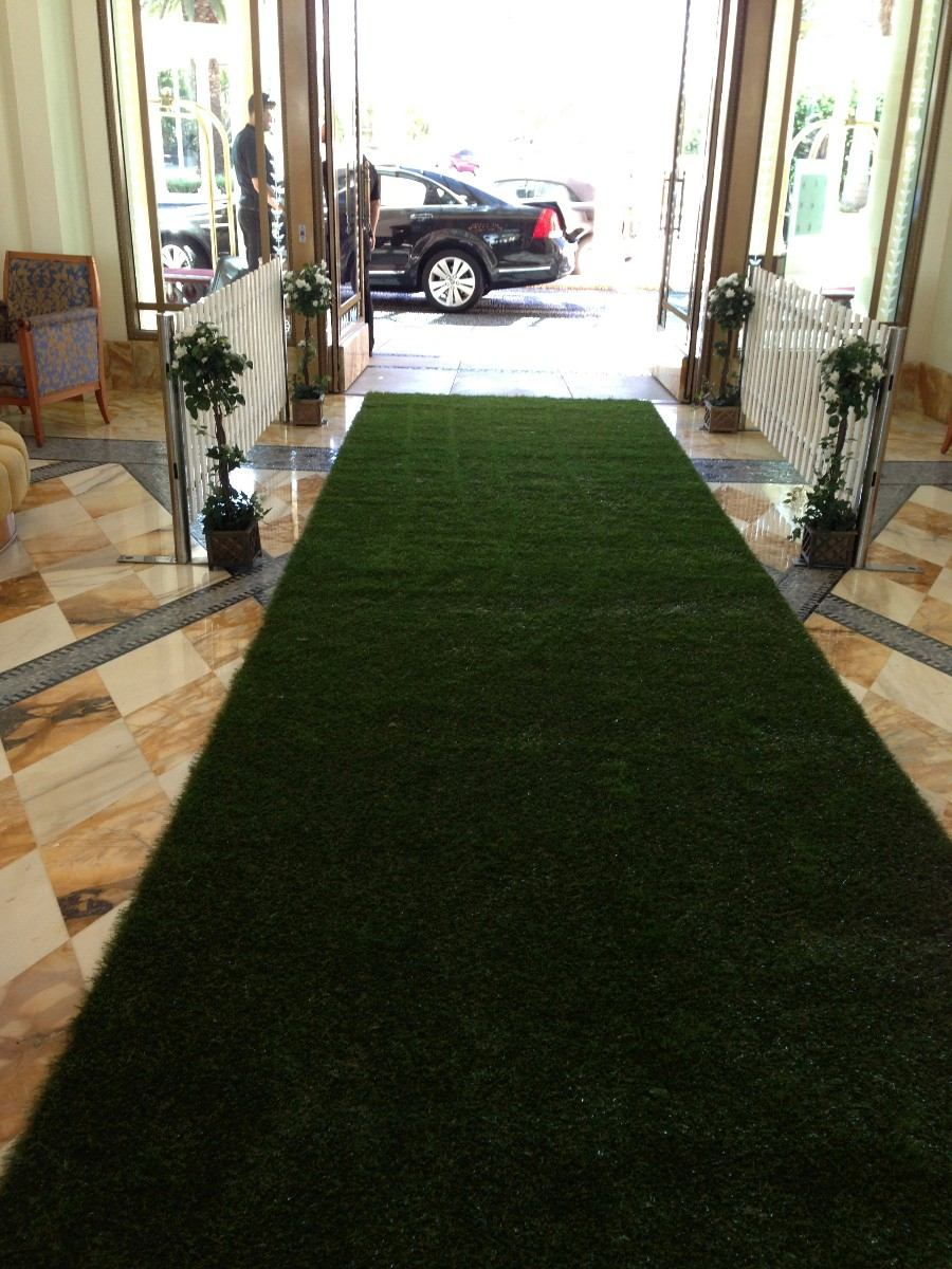 Alfombra para pasillo zonas de alto tr fico color verde for Alfombra verde para jardin