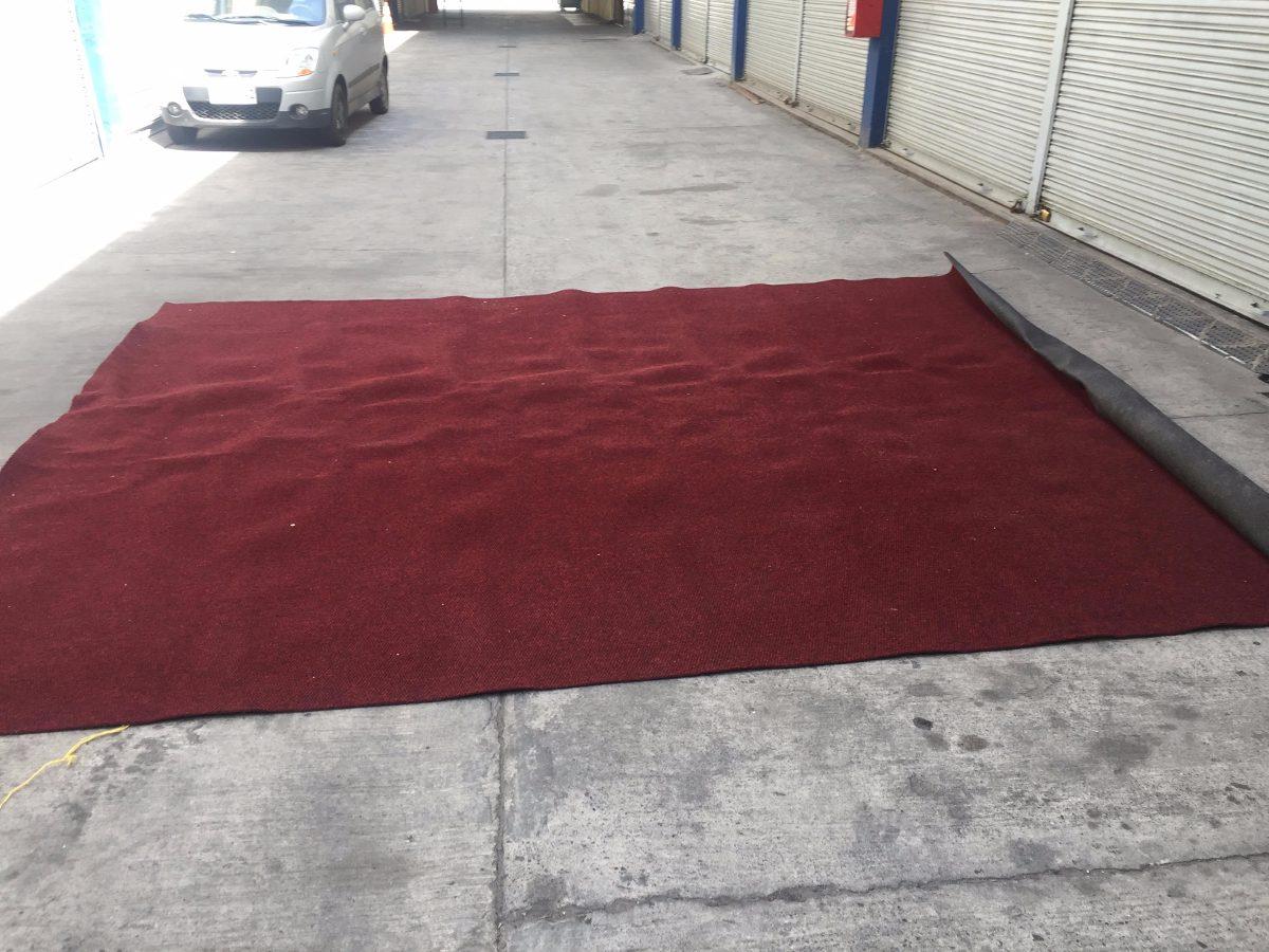 Alfombra roja cubrepiso alto tr fico en - Cubre piso alfombra ...