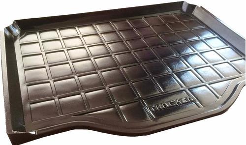 alfombra tapete baúl plástica tipo bandeja tracker 2013/2017