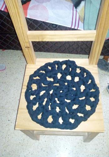 alfombra/adorno de totora tejido al crochet