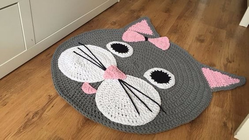 alfombras decorativas animadas tejidas a crochet