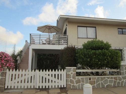 algarrobo. casa a seis cuadras de playas con amplia terraza