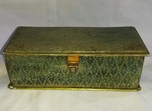 alhajero antiguo forrado en tela con lúrex
