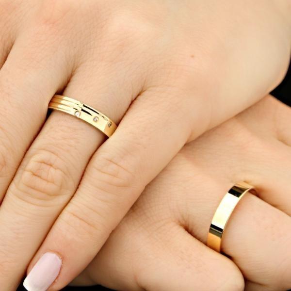 Aliança De Ouro 3 Frisos E Diamantes - R  2.000,00 em Mercado Livre 91d8ceee84