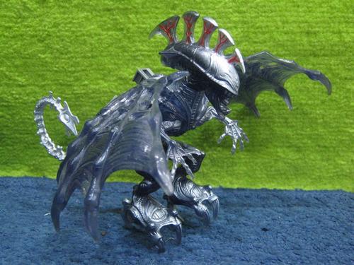 alien - flying alien queen toybiz