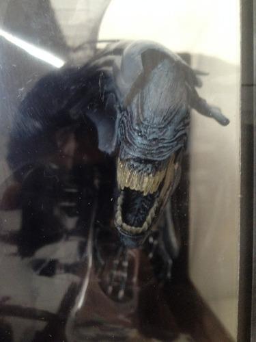 alien queen reina neca en caja deluxe