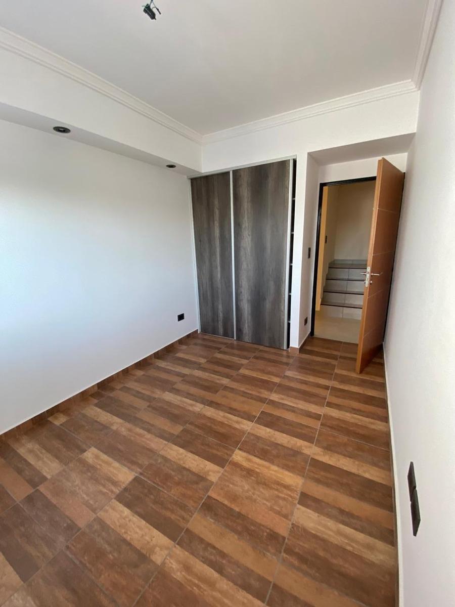 allende 3400. ph 3 amb frente 2º piso terraza. v. devoto
