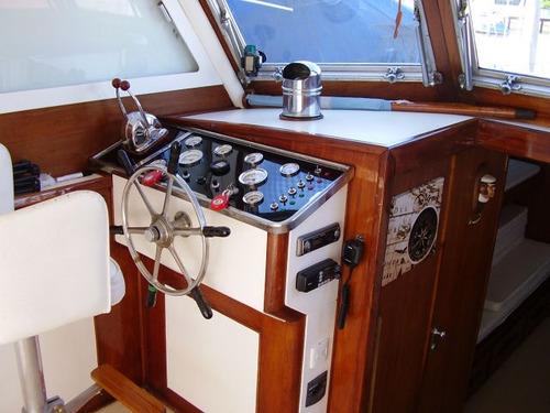 aller fisherman 12 mts c/ motores diesel y l/ eje