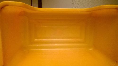 almacenador plástico- práctico y útil- perfecto estado
