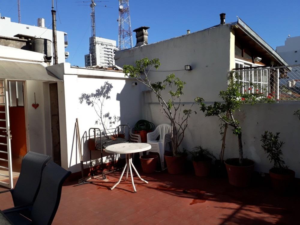 almagro: 5 ambientes  dos plantas terraza  entrada indp