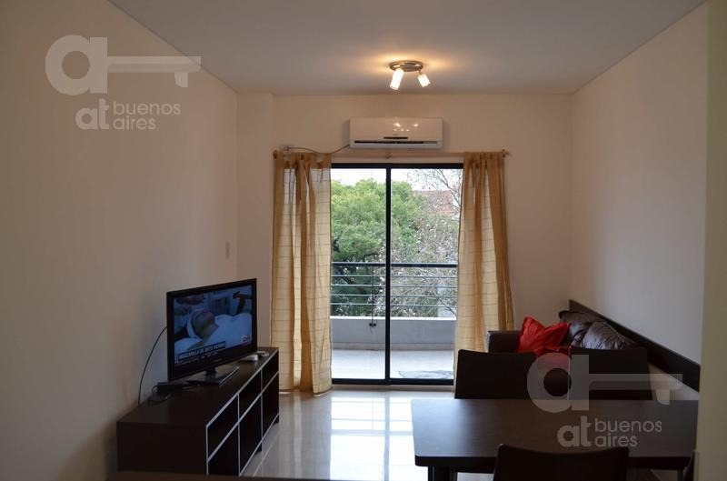 almagro. departamento 2 ambientes con balcón. alquiler temporario sin garantías.
