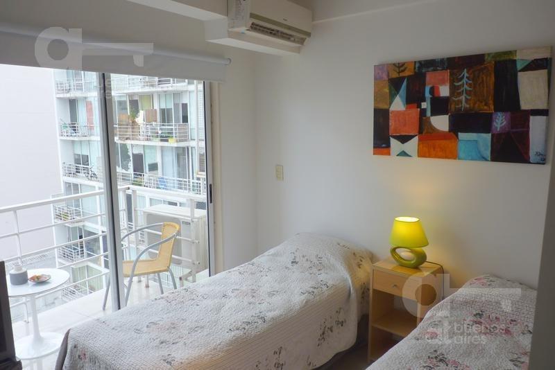 almagro. moderno loft con balcón. alquiler temporario sin garantías.