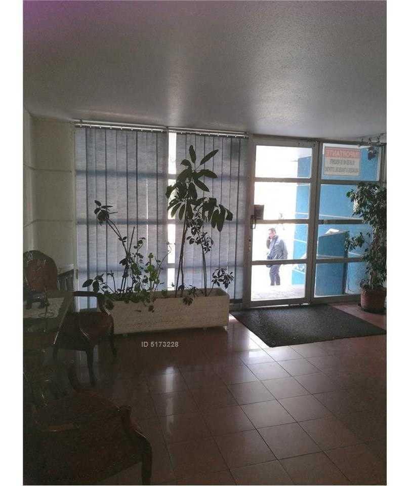 almirante latorre, santiago - departamento 240