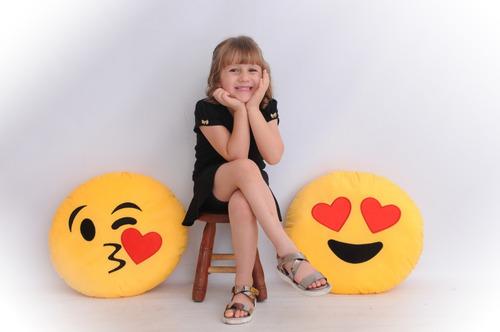 almofada emoji gigante 45cm pelucia beijo coração watts