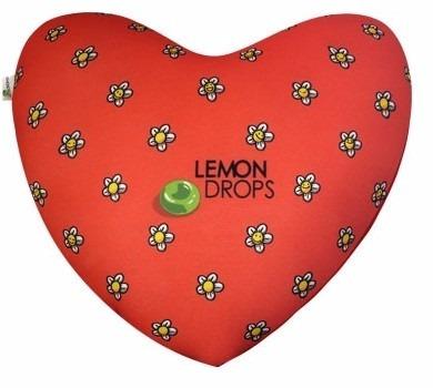 almofada formato de coração vermelho  meu bem me quer