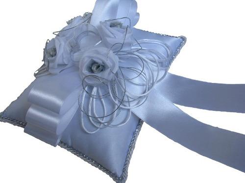 almofada porta aliança para casamento - branca com prata
