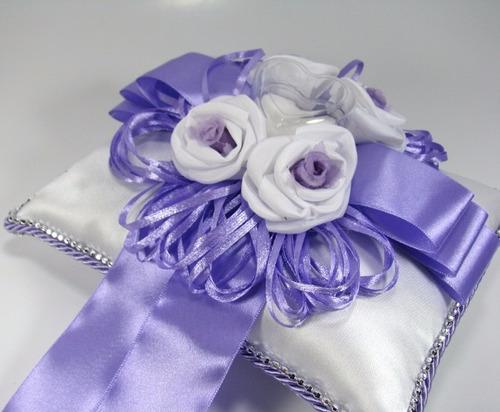 almofada porta aliança para casamento - lilás com branco
