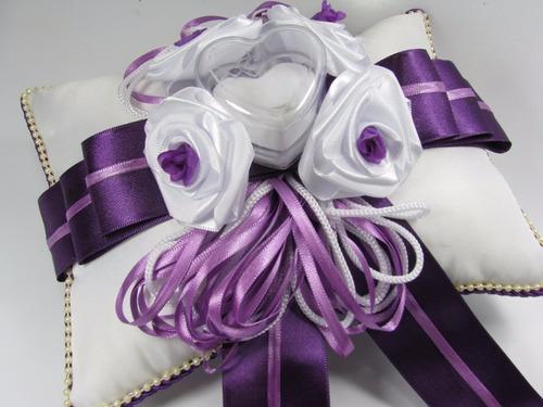 almofada porta aliança para casamento - roxo com branco