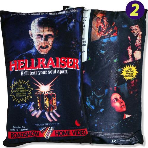almofadas de filmes de terror que imitam estojos vhs!