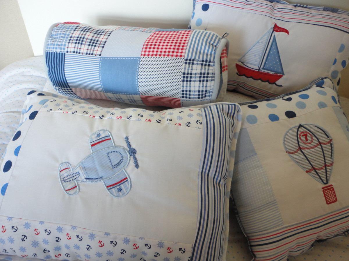 Nombre: almohada de los estereotipos del bebé; Tela de la almohada: algodón, base de la almohada: espuma de la memoria; Espuma de memoria de rebote lento premium con orificios de ventilación que absorbe la humedad y aumenta el flujo de aire.