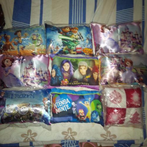 almohadas descendiente intensamente toy story sofía