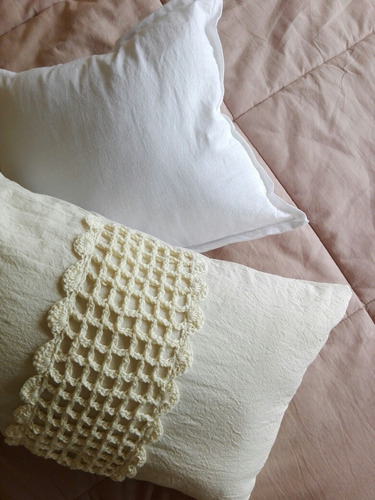 almohadon 50x30cm crochet