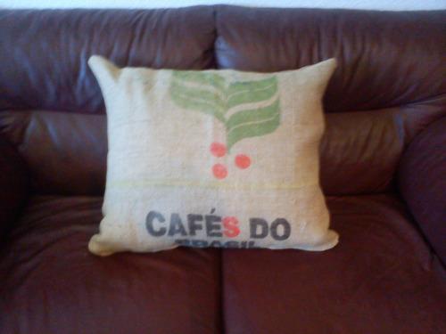 almohadon arpillera 40 x 40 cms