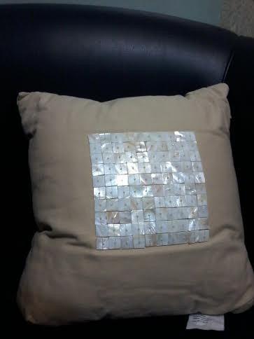 almohadon decor. cuadrados c/bordado de piedras cod 52