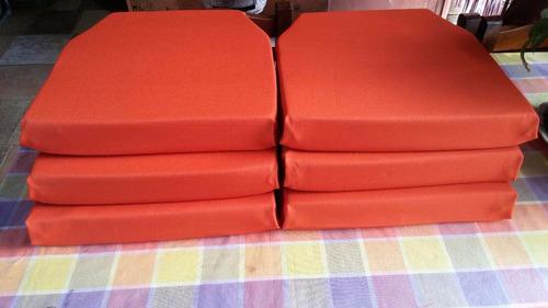 almohadones hechos en planchas de polifón (con forro!)