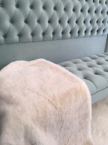 almohadones mantas pie de cama alfombras de piel sintetica