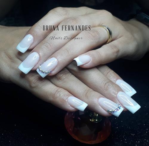 alongamento de unhas em gel e fibra de vidro