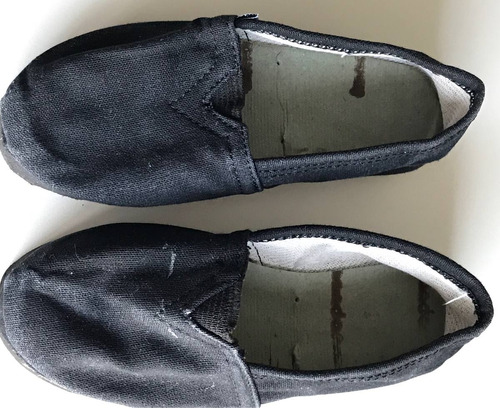 alpargatas color negro talle 28
