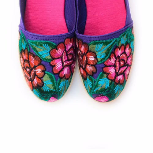 alpargatas con arte textil mexicano