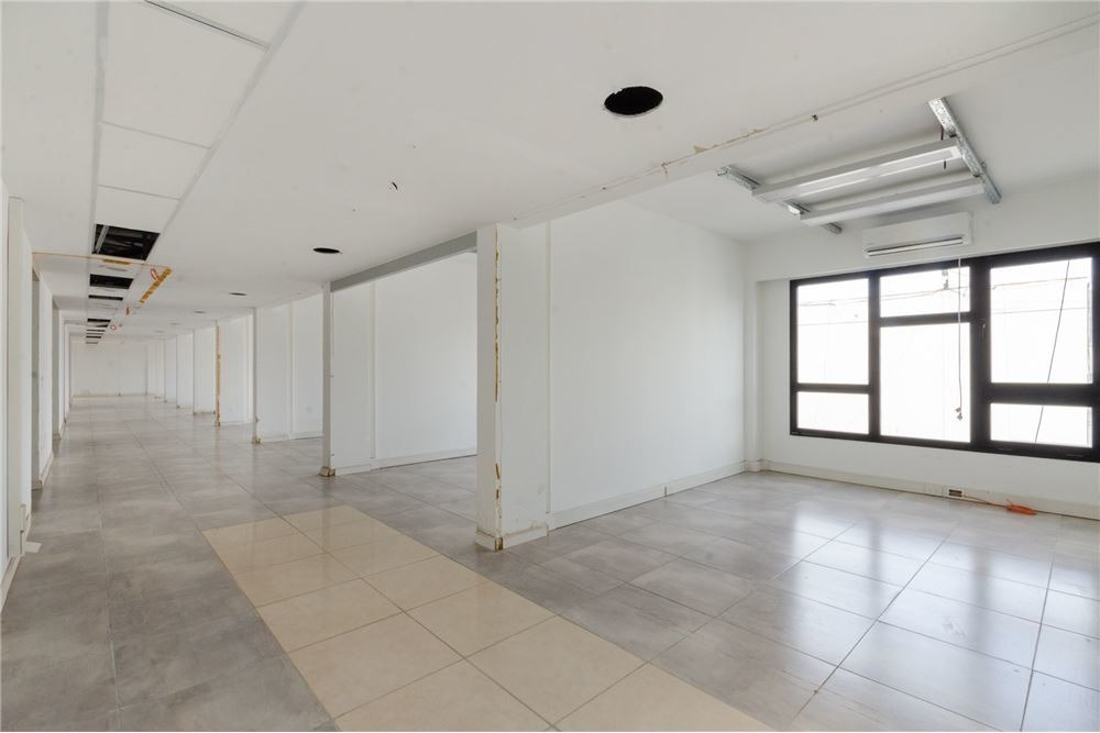 alq oficinas planta libre o divididas c/ cocheras