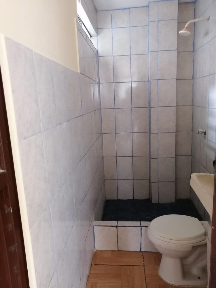 alquicuarto conbaño privado huertos manchay persona sinhijos