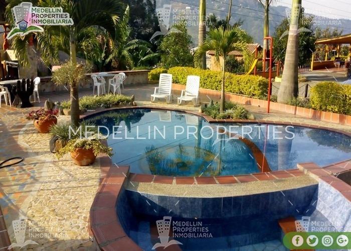 alquila fincas por días en copacabana cod: 4921