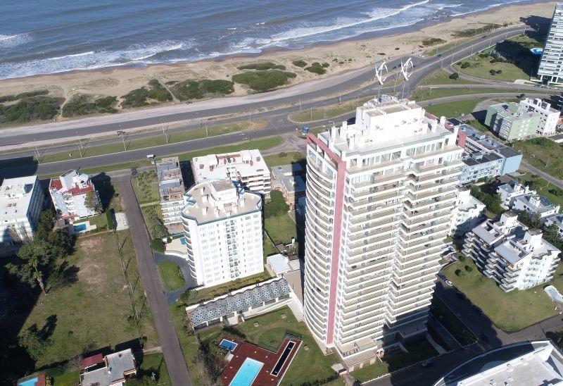 alquila icon tower piso alto