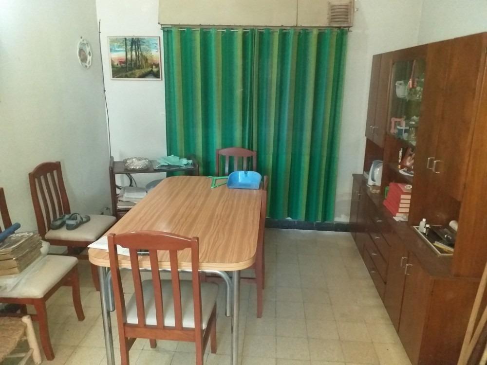 alquila, matheu 1100, 2 dormitorios, patio, $14.000