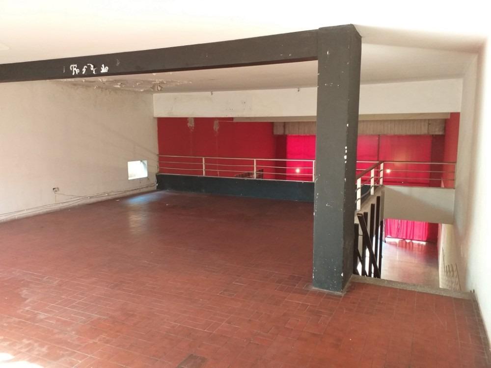 alquila: salón, 200 m2, cafferata 356, zona comercial.