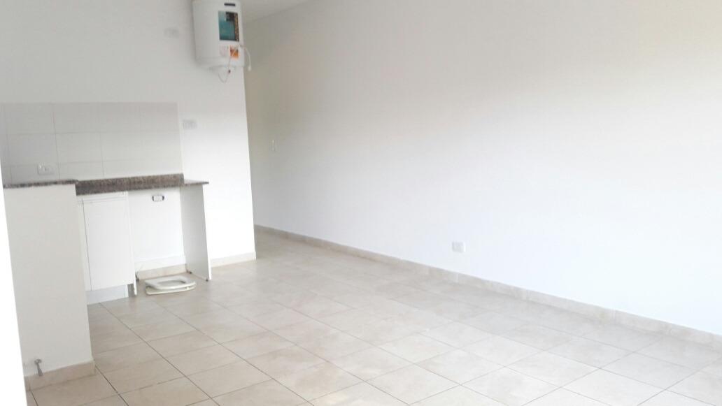 alquilado departamento 2 ambientes con cochera